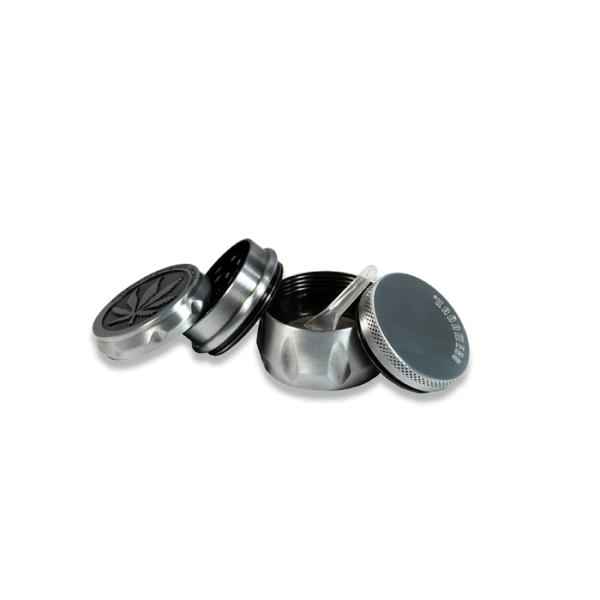 grinder metálico cañamero 4 partes abierto